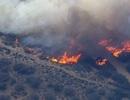 Mỹ: Cháy lớn làm tắc nghẽn giao thông cao tốc ở Nam California