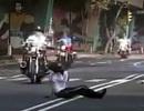 Những pha tai nạn đầy hài hước của cảnh sát thế giới