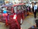 """Toyota Innova thế hệ đầu tiên """"nghỉ hưu"""" tại Ấn Độ"""