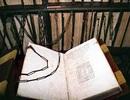 Những thư viện bị xiềng xích có từ thời Trung cổ