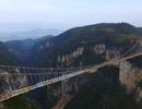 Trung Quốc xây xong cầu sàn kính dài nhất thế giới ở độ cao 400m