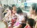 Trẻ bệnh hô hấp chật cứng bệnh viện