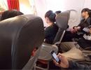Xấu hổ vì thói xấu đi máy bay của một số người Việt