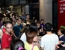 Khán giả xếp hàng dài đến rạp xem phim Ý
