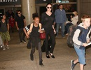 Gia đình Angelina Jolie nổi bật tại sân bay