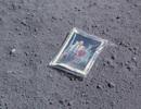 Chuyện về phi hành gia đặt ảnh gia đình trên mặt trăng