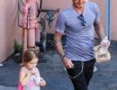 David Beckham chăm chút con gái cưng