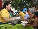 Hơn 370 suất cơm miễn phí ấm lòng bệnh nhân nghèo