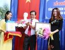Hoa hậu Bùi Thị Hà khánh thành cầu và trao nhà tình thương cho người dân Bạc Liêu