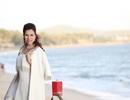 Hoa hậu Bùi Thị Hà thả dáng kiêu sa trước vẻ đẹp biển cả
