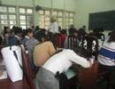 Học đại học: Sinh viên tới trường để điểm danh và ngủ