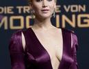 Sao nữ 9x diện váy xẻ ngực quyến rũ ra mắt phim mới