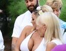 Người đẹp xăm trổ nổi tiếng nước Anh bí mật kết hôn