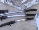 Bắt giữ 96 thanh kiếm Nhật là công cụ hỗ trợ nguy hiểm tại biên giới