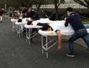 Sửng sốt với dịch vụ massage miễn phí, đặc biệt ngay trên đường