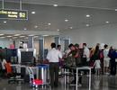 Phát hiện hành khách mang 5 gói bột nghi là thuốc nổ lên máy bay