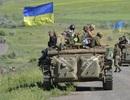 """Ukraine chuẩn bị tấn công Donbass: """"Canh bạc tất tay""""?"""