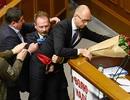 Thủ tướng Ukraine bị nhấc bổng trong vụ ẩu đả tại quốc hội