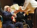 Nhà báo 100 tuổi nhận bằng đại học sau 80 năm tốt nghiệp