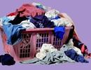 Vì sao nên giặt ngay quần áo bẩn?