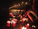 Đêm Vu Lan lung linh bên cây cầu vượt biển dài nhất Việt Nam