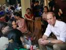 Hoàng tử Anh William uống cà phê, dạo phố cổ Hà Nội