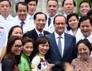 Những hình ảnh đẹp trên báo nước ngoài về chuyến thăm Việt Nam của Tổng thống Pháp