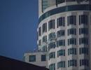Thót tim trò chơi trượt cầu thang bằng kính trên tầng 70