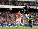"Arsenal 2-1 Leicester City: ""Thần tài"" Welbeck"