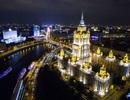 """""""Bảy chị em gái"""" khoe dáng giữa thủ đô Moscow"""
