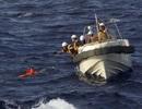 Tàu cá Trung Quốc chìm sau khi đâm phải tàu hàng ở Hoa Đông