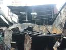 Ném con từ độ cao 3 mét thoát khỏi đám cháy 4 người chết