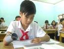 Nghị lực theo đuổi con chữ của cậu học trò không tay