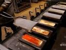 Cận cảnh quá trình sản xuất những thỏi vàng 24K