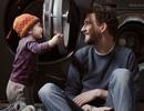 Triển lãm ảnh những ông bố Thụy Điển ở nhà chăm con