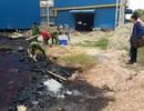 Bắt quả tang công ty gạch men xả thải đen ngòm ra sông Thị Vải