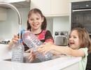 Lý do bạn không nên dùng lại chai nước bằng nhựa