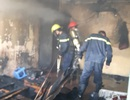 Cháy tầng 4 nhà chung cư, học sinh hoảng loạn la hét