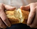 Với 200 triệu đồng, nên mở quán phở hay bán bánh mỳ qua mạng?