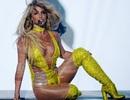 Britney mặc thiếu vải và hát nhép trên sân khấu