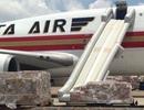 Máy bay bung phao trượt chuyến khai trương đến Tân Sơn Nhất