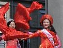 Đội Việt Nam rực rỡ trong lễ hội đường phố tại Lorient, Pháp