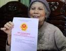 Cụ bà 75 tuổi mừng rơi nước mắt nhận cuốn sổ đỏ 0 đồng tiền thuế