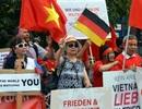 Người Việt tại Đức biểu tình đòi Trung Quốc tôn trọng phán quyết PCA