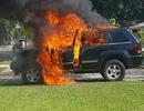 Nghi án cháy ô tô vì sạc điện thoại Samsung Galaxy Note 7 trên xe