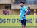 """HLV Trương Việt Hoàng: """"Trọng tài là một phần cuộc chơi"""""""