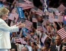 Bà Clinton phát biểu trong đêm lịch sử: Nước Mỹ không sợ hãi