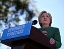 """Bà Clinton gọi ông Trump là """"kẻ thất bại đau đớn"""""""