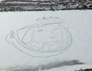 Khuôn mặt khổng lồ của Yuri Gagarin xuất hiện trên hồ băng