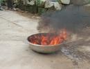 Xăng dầu rò rỉ, nước giếng đốt cháy khét lẹt